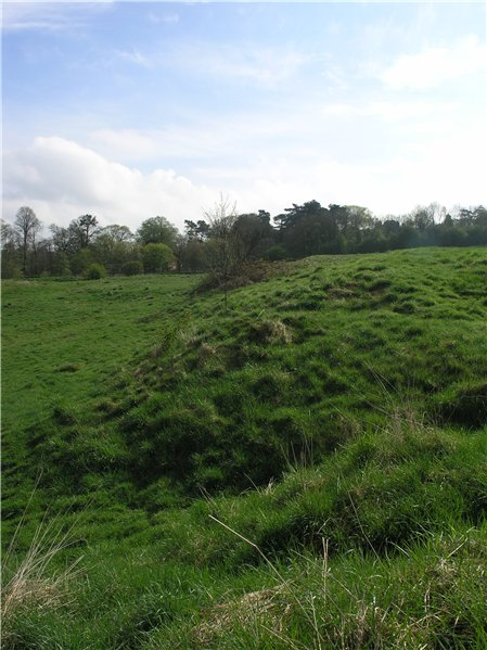 Earthworks, probably associated with former quarrying works, on the upper slopes of South Common
