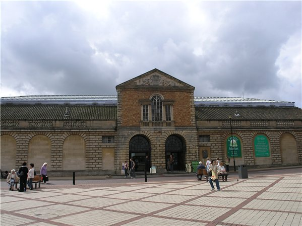 Central Market, with rebuilt part of the façade of the former Butter market, facing City Square