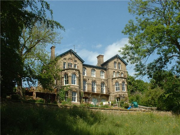 Large Late Vivtorian/Edwardian villa at the top of the north escarpment overlooking the Arboretum
